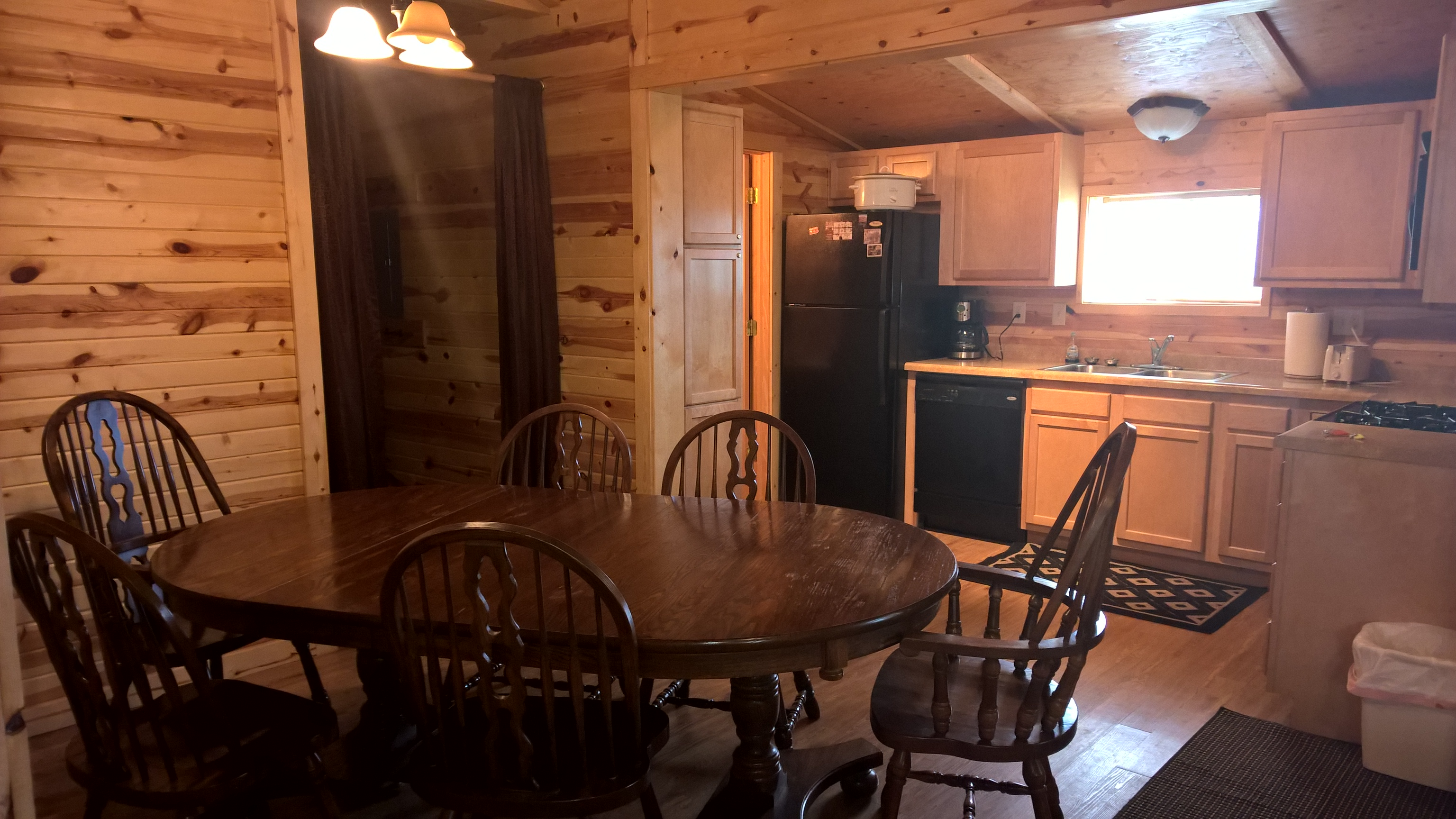 Dining room family cabin